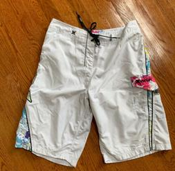 "Hurley 22""L Men's White Boardshorts Size 30"