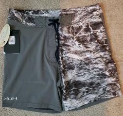 Huk Men's Elements Manta Size 36 Fishing Boardshorts