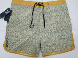 Hurley Palm Green Zags Men's 18 inch Boardshorts Light Stret