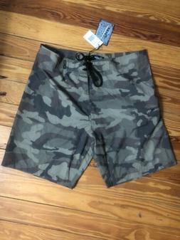 Brand New-BKLYN Mens Camo Boardshorts Size 32