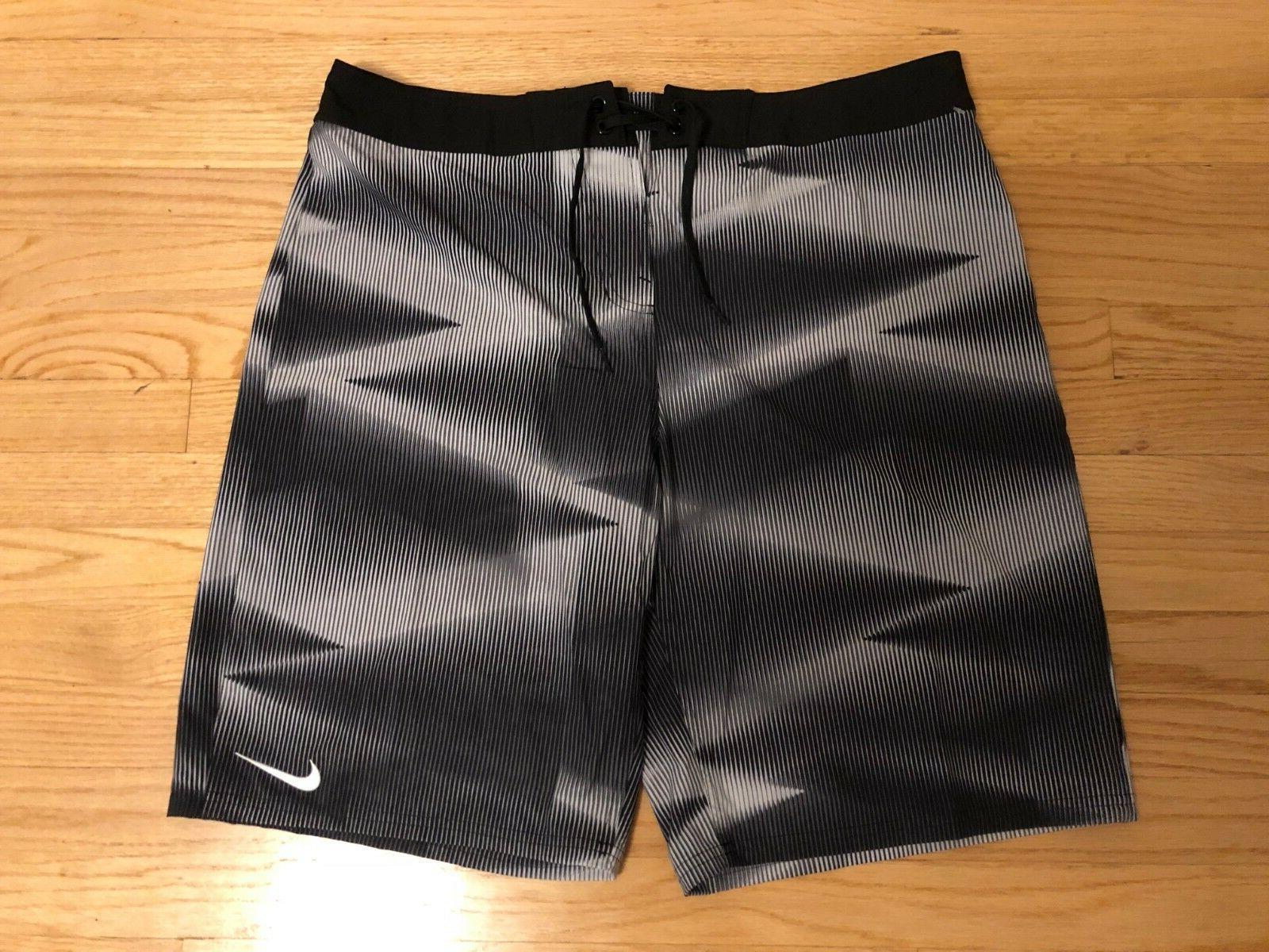 NEW NIKE Vapor Mens Swim Boardshorts Trunks Swimsuit Black/W