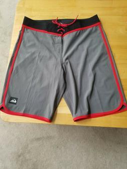 Quiksilver Loc Scallop Boardshorts Size 32