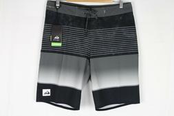 "Quiksilver Men's Highline Slab 20"" Board Shorts Black EQYBS0"