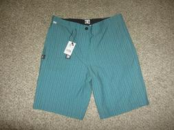 NWT DC Skate Surf Hybrid Board Shorts Swimsuit 33 21 Surf Be